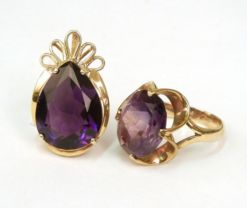 279: Gold amethyst ring and pendant, 14k gold ring with