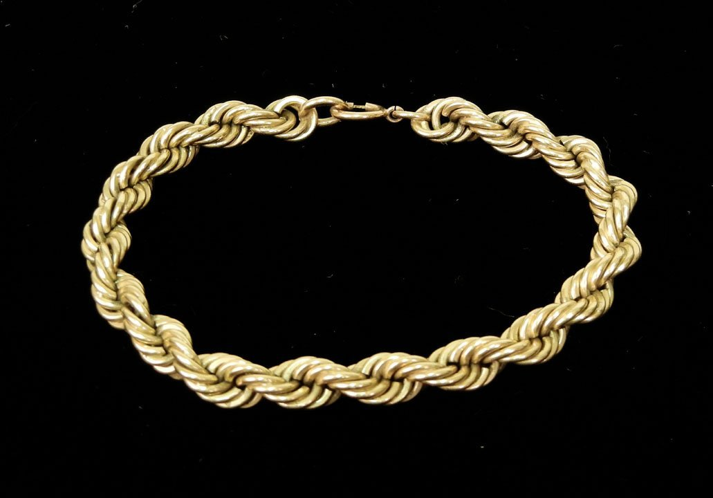 284: Gold rope bracelet, 14k gold bracelet measures 7 1