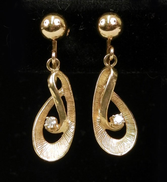 286: Gold and diamond drop earrings, 14k gold screw bac