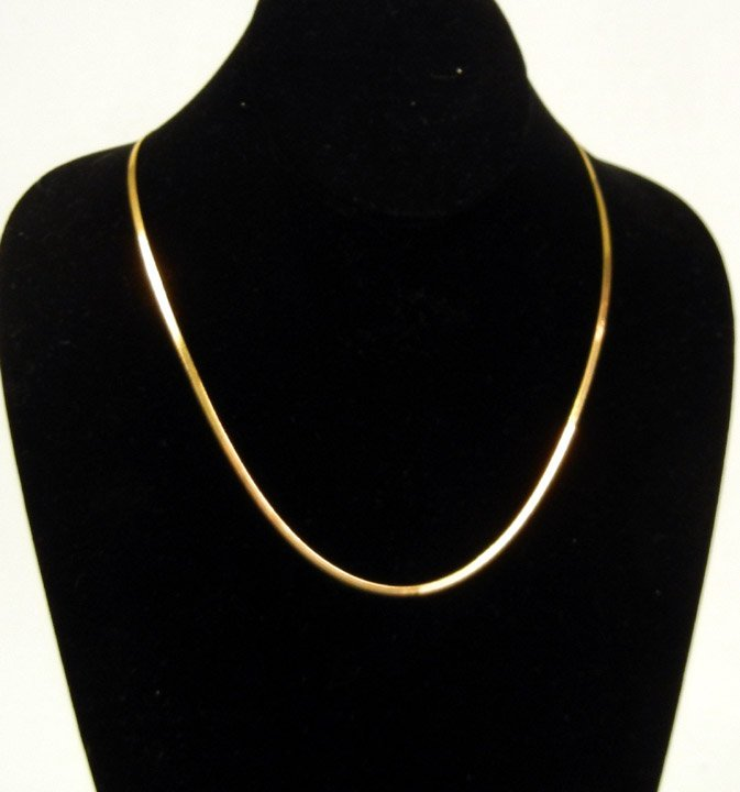 301: Gold herringbone chain, 18k gold chain measures 19