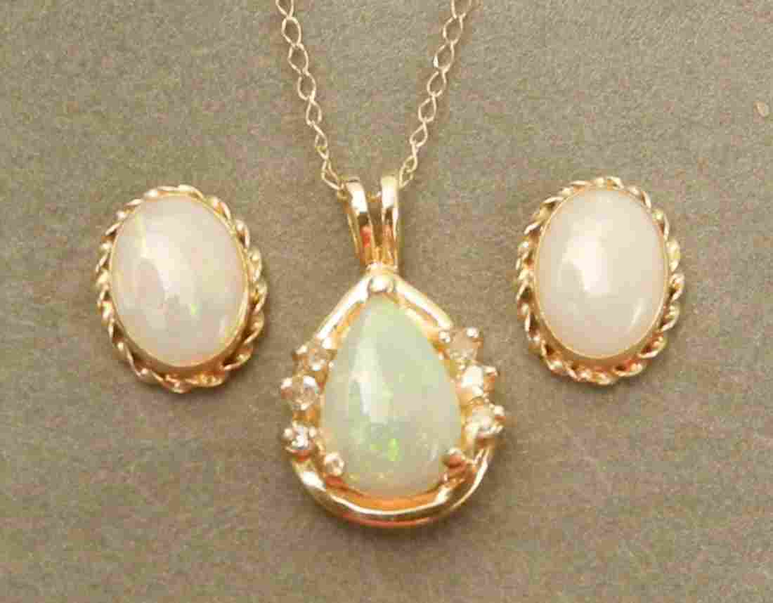 184: Opal necklace and earrings set, 14K gold pendant w