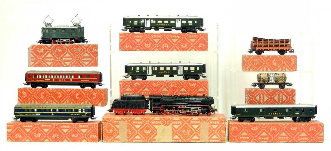 159: Marklin train set, including G800 locomotive and t