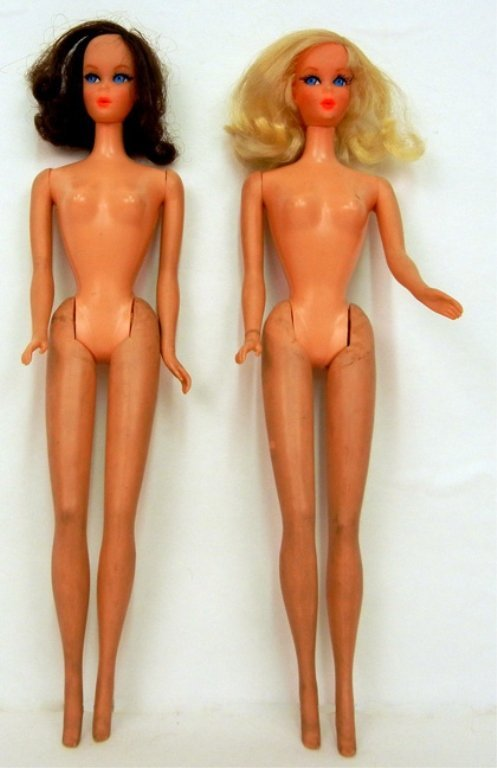 Two Talking Barbies, model No. 1115, one blonde, one