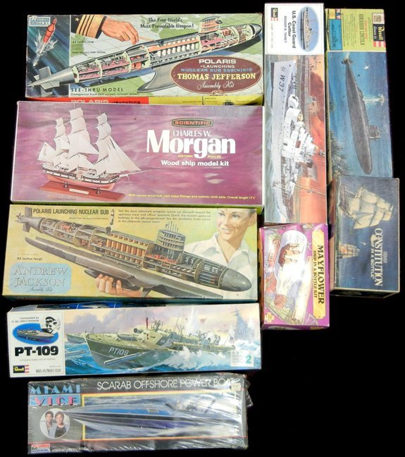 Grouping of ship models, including Renwal