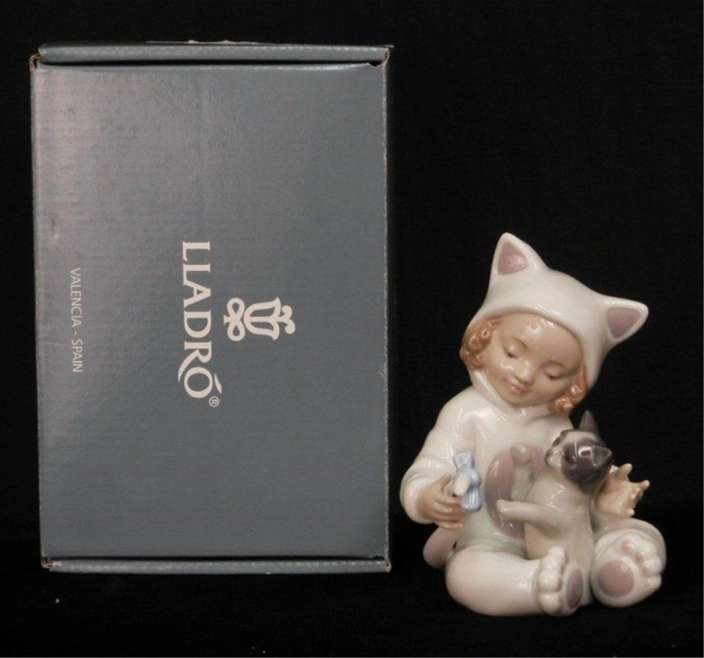 "Lladro ""My Playful Kitty"" figurine"
