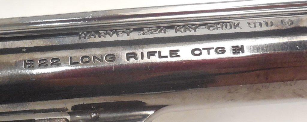 Smith & Wesson .22LR revolver - 4