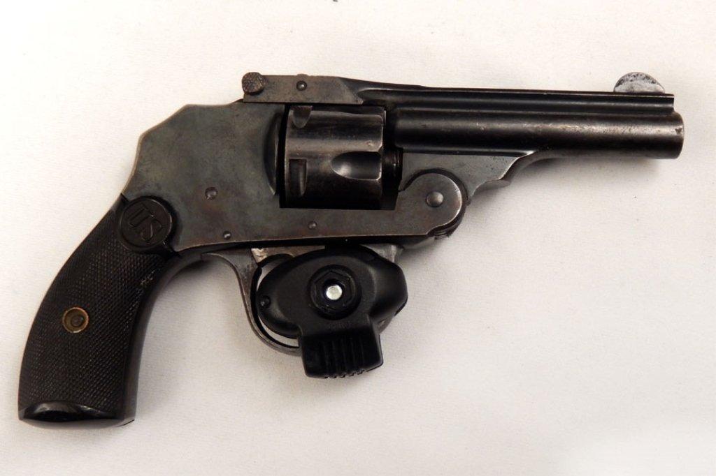 U.S. Revolver Co .32 caliber revolver