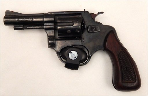 Amadeo Rossi  32 S&W long caliber revolver