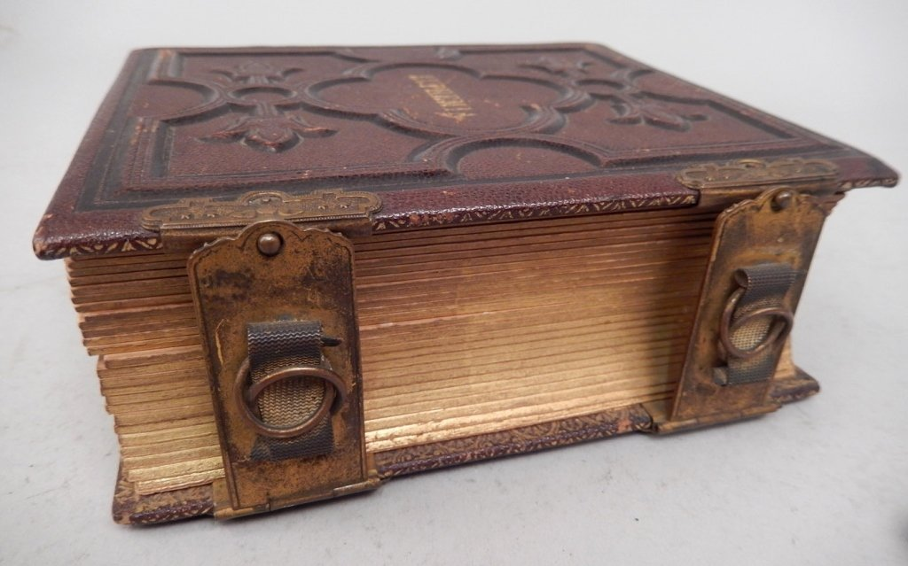 Gilt embossed leather Victorian photograph album with - 4
