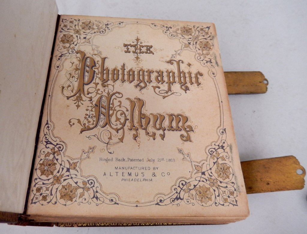 Gilt embossed leather Victorian photograph album with - 5