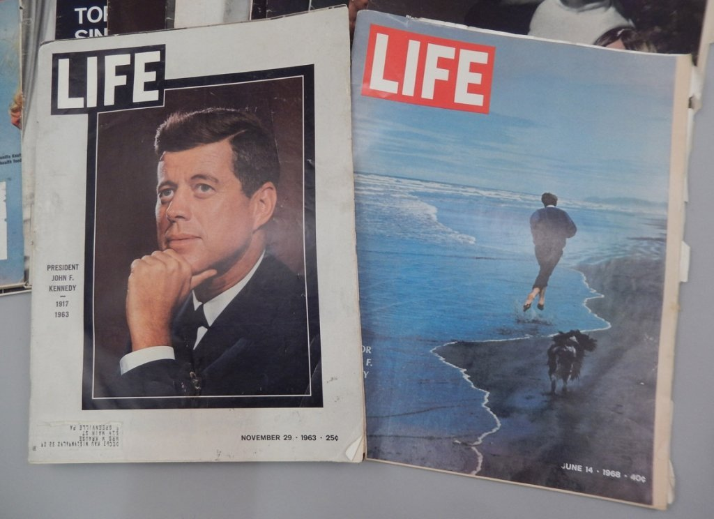 Lot of Mid 20th C. Life magazines and Post magazine - 6