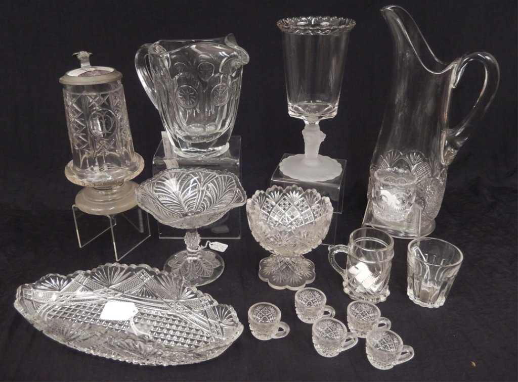 Grouping of glassware
