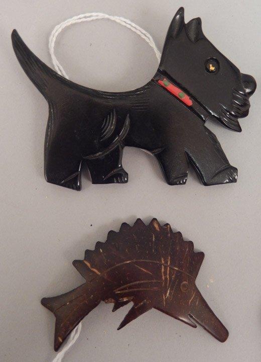 Grouping of bakelite animal pins and napkin ring - 2
