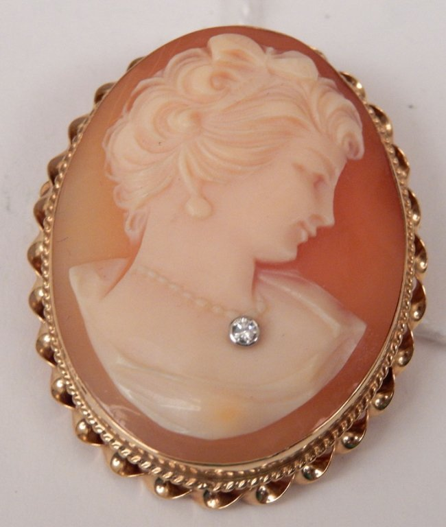 1930's cameo pendant pin