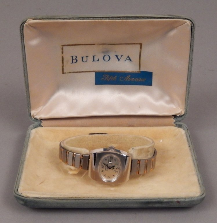 Bulova Accutron ladies wrist watch in original case