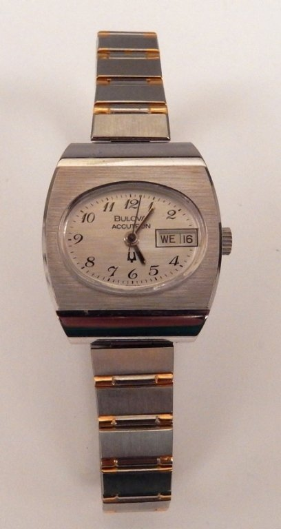 Bulova Accutron ladies wrist watch in original case - 2