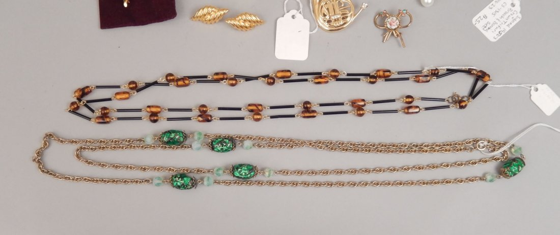 Grouping of assorted jewelry - 7