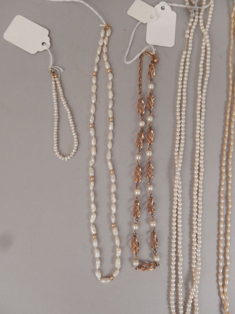 Grouping of pearl necklaces and bracelets - 2