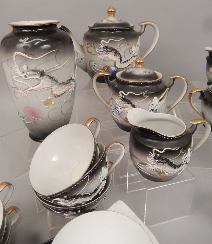 Dragonware luncheon and tea sets - 5