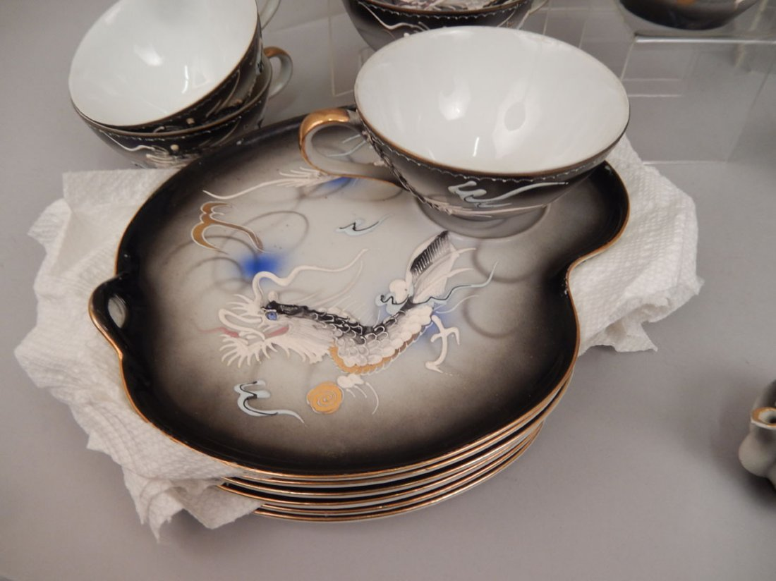 Dragonware luncheon and tea sets - 6