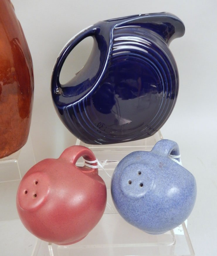 Grouping of pottery pieces - 2