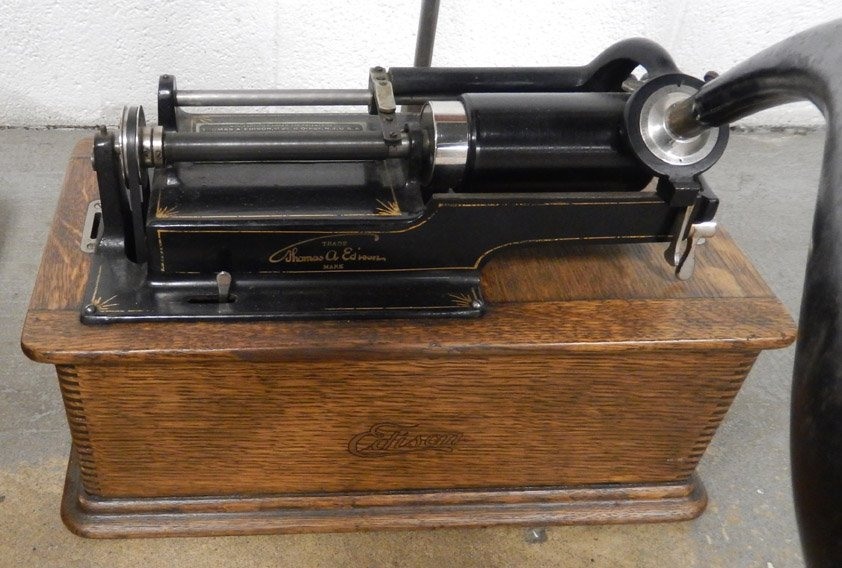 Edison Home Model C phonograph cylinder player - 2