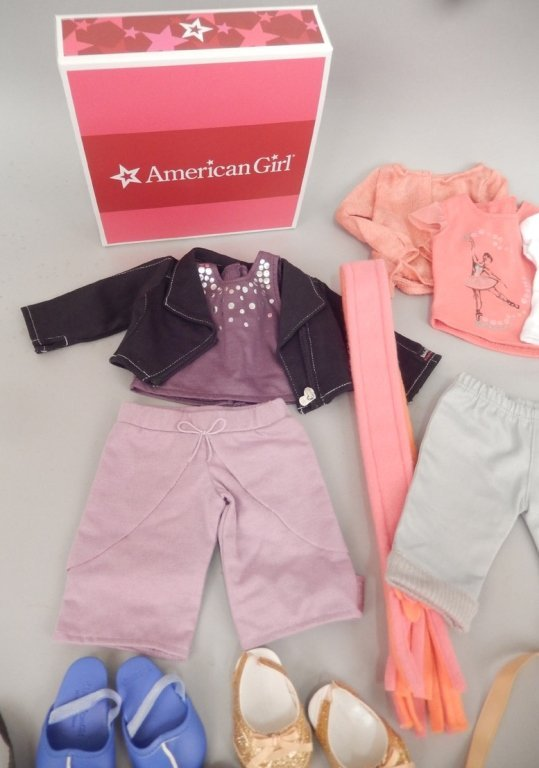 American Girl Doll clothes and accessories - 5