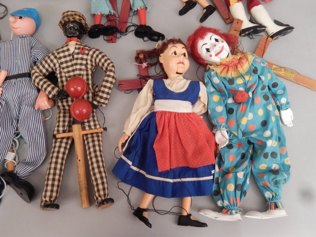 Large grouping of marionettes - 2