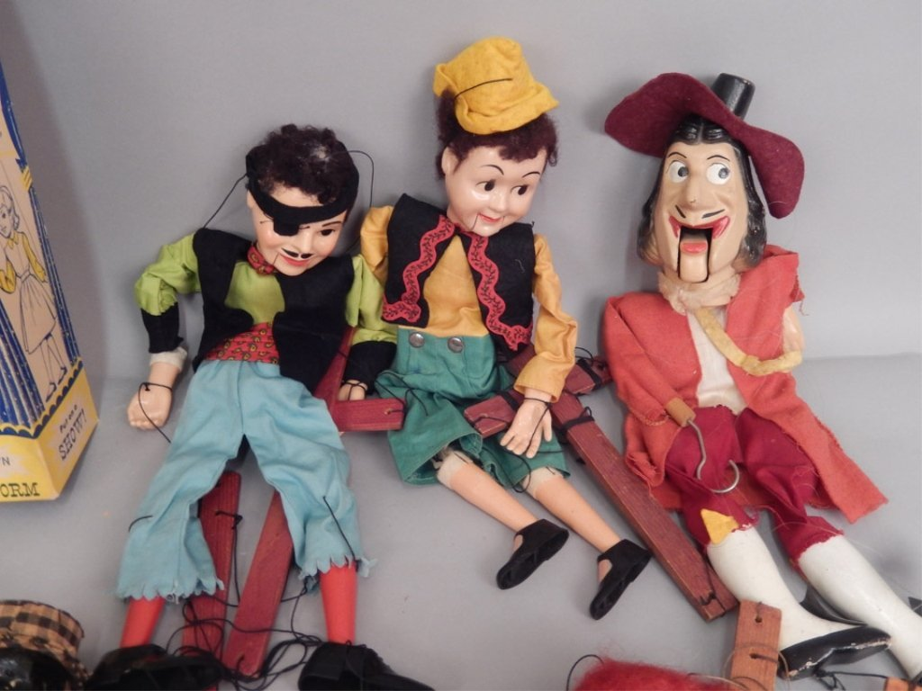 Large grouping of marionettes - 3