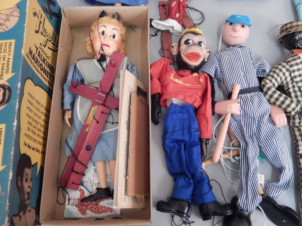 Large grouping of marionettes - 4