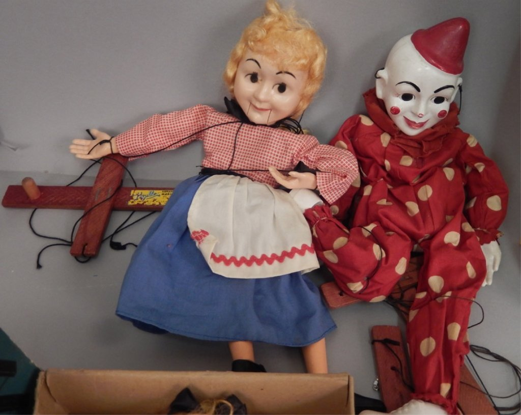 Large grouping of marionettes - 5