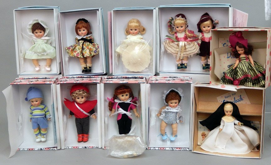 Eight new Vogue Ginny Collectible dolls in boxes