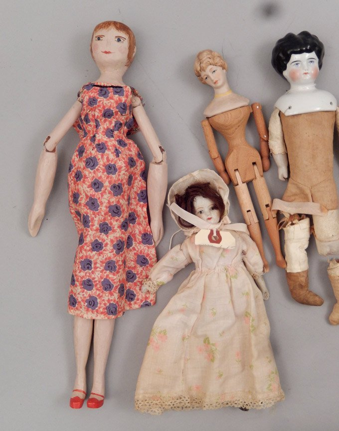 Grouping of assorted dolls - 6