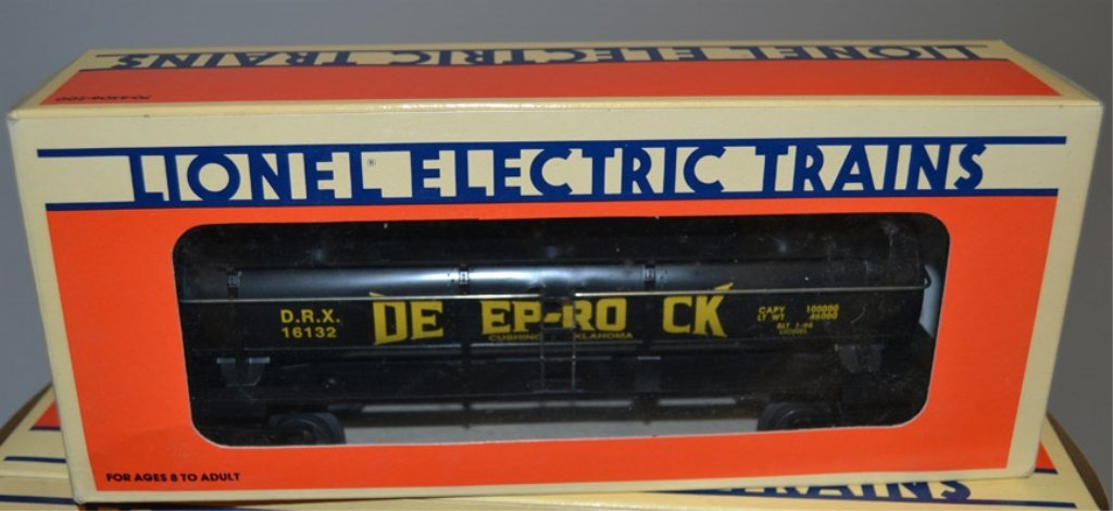 Eight Lionel post war O and O27 gauge railroad cars - 3