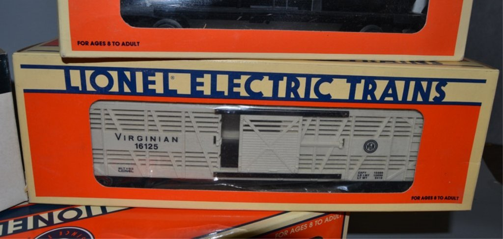 Eight Lionel post war O and O27 gauge railroad cars - 4
