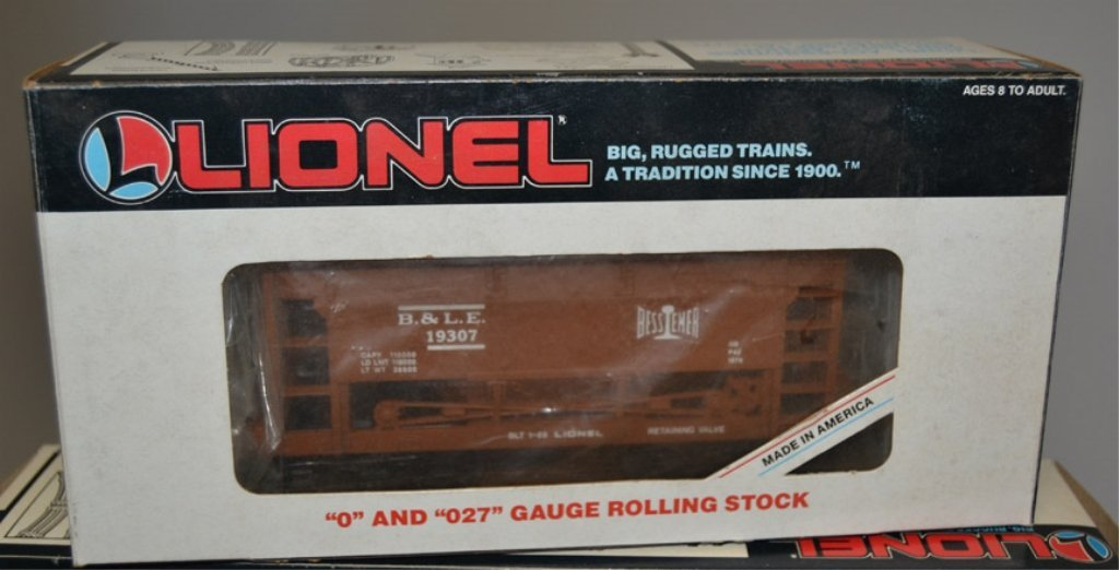 Eight Lionel post war O and O27 gauge railroad cars - 7