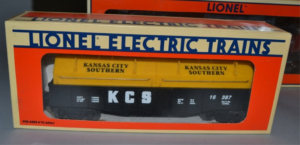 Eight Lionel post war O and O27 gauge railroad cars - 9