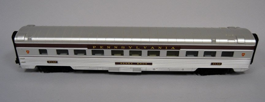 M.T.H. Pennsylvania 70' scale Streamlined Sleeper/Diner - 5