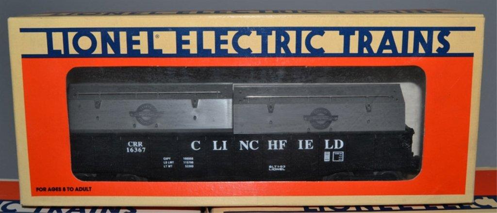 Five Lionel post war railroad cars - 2