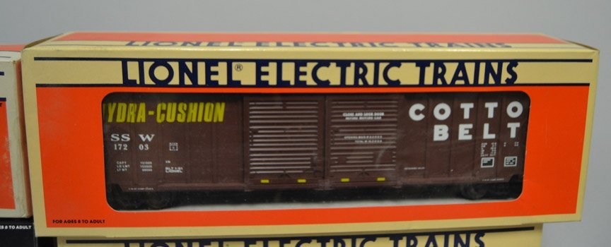 Five Lionel post war railroad cars - 3