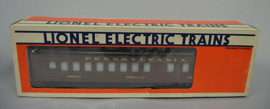 Five Lionel post war railroad cars - 5