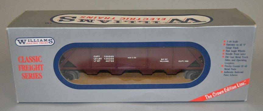 Williams Amtrak locomotive and freight car - 3