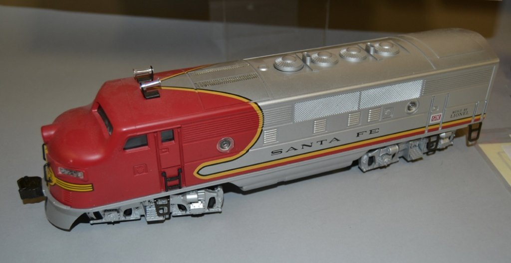 Lionel Twin Diesel Locomotives No. 2343 Santa Fe - 4