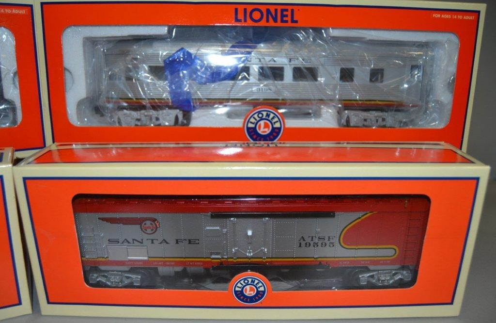 Four Lionel Railroad cars - 3