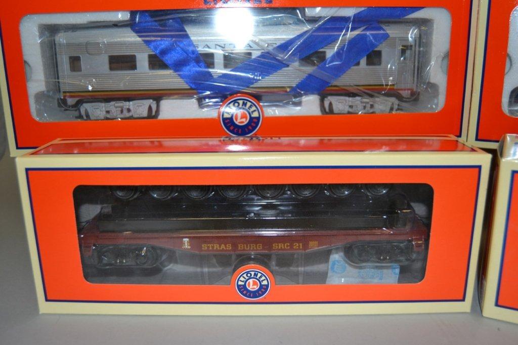 Four Lionel Railroad cars - 5