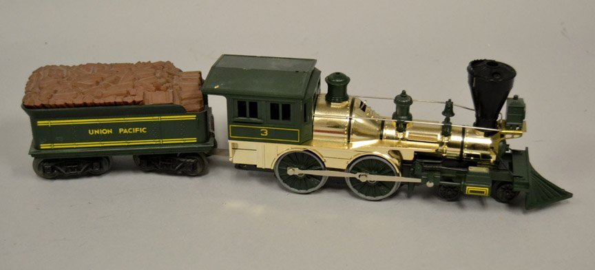 Lionel Union Pacific 3 steam locomotive and tender
