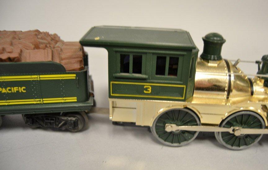 Lionel Union Pacific 3 steam locomotive and tender - 2