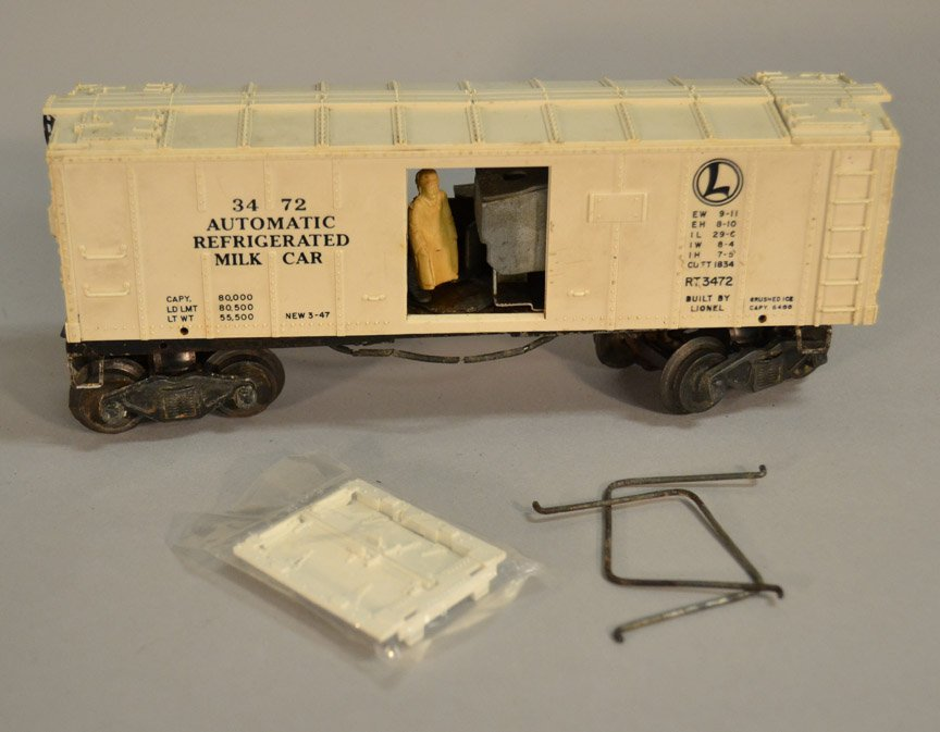 Lionel 3356 Santa Fe Horse Express car, Stockyard two - 2