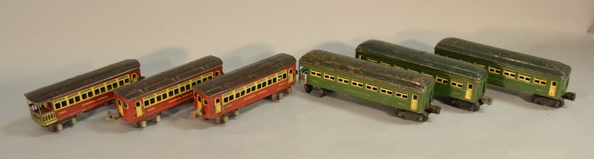 Six Lionel passenger cars
