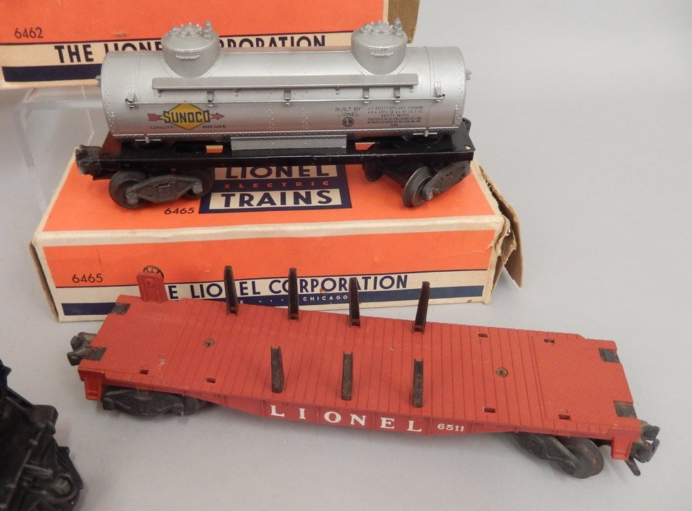Lionel postwar freight train set in boxes - 3